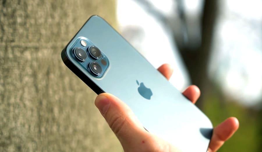 Эргономика iPhone 12 Pro Max