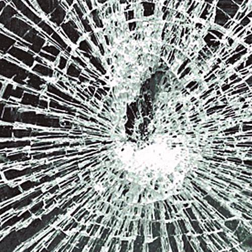 разбитое стекло на iPhone